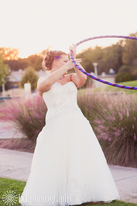 alternative bride hula hooping