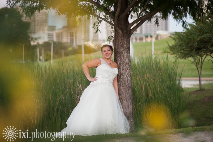 bridal portrait austin skyline