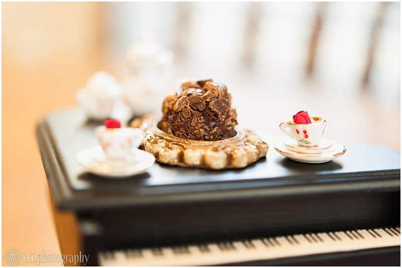 Sweet_Solutions-141_austin-tx-wedding-truffle