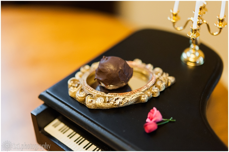 Sweet_Solutions-28_austin-tx-wedding-truffle