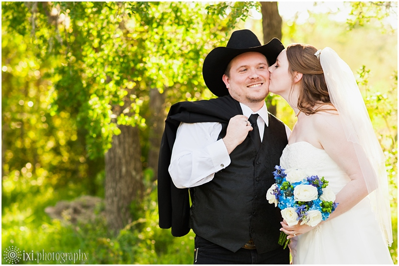 Carly_Bo_Wedding-138_texas-wedding-boots-cactus-kali-kate-wedding-austin-tx