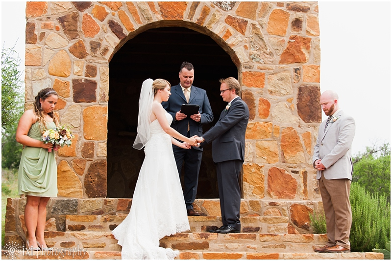 Laura_Jonathan_Wedding-124_hill-country-wedding-tres-lunas-resort-fredericksburg-tx