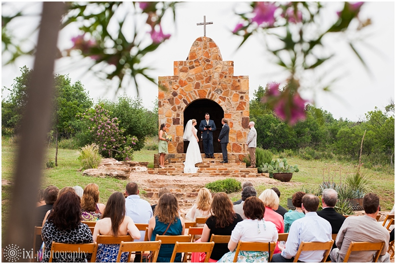 Laura_Jonathan_Wedding-141_hill-country-wedding-tres-lunas-resort-fredericksburg-tx