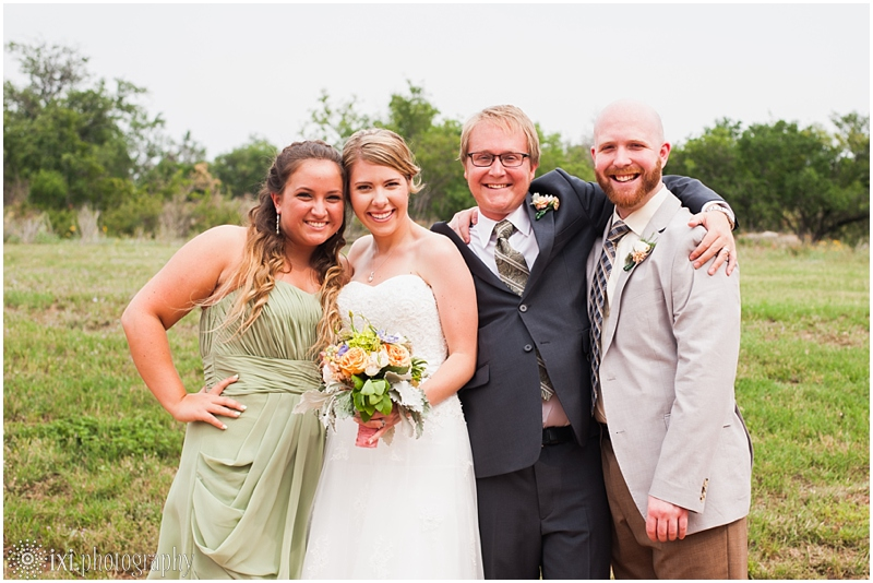 Laura_Jonathan_Wedding-186_hill-country-wedding-tres-lunas-resort-fredericksburg-tx
