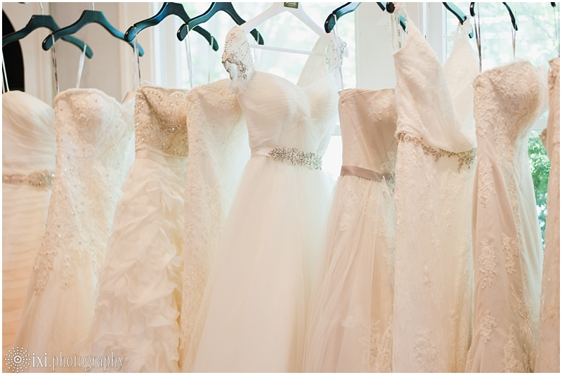 ixiphotography-blush-bridal-lounge-wedding-dresses-austin-tx_0016