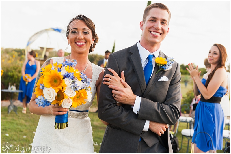 le-san-michele-photos-sunflower-yellow-blue-wedding-tx_0029
