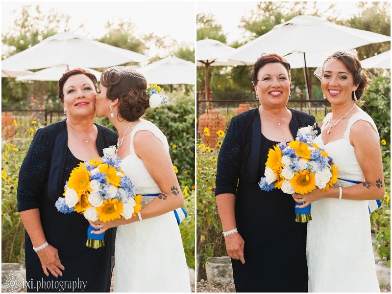 le-san-michele-photos-sunflower-yellow-blue-wedding-tx_0032