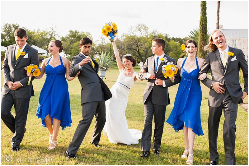 le-san-michele-photos-sunflower-yellow-blue-wedding-tx_0034