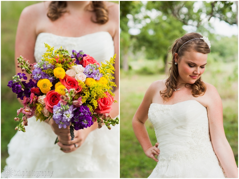 coral-purple-bouquet-bridal-pictures-austin-tx_0000