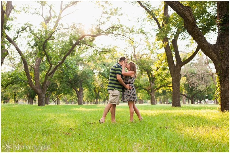 sunset-engagement-pictures-austin-tx_0003