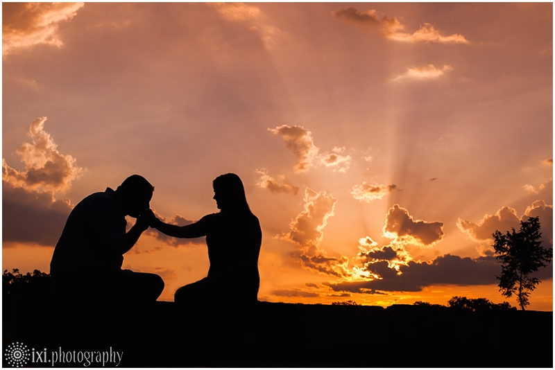 sunset-engagement-pictures-austin-tx_0011