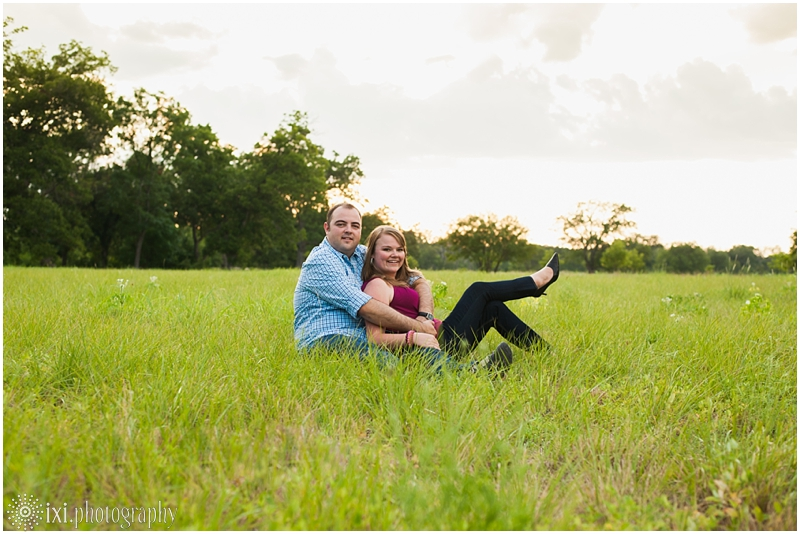 sunset-engagement-pictures-austin-tx_0021