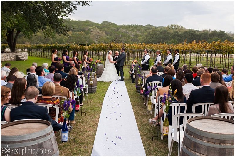 vineyard-wedding-tx-dry-comal-creek-vineyard_0023