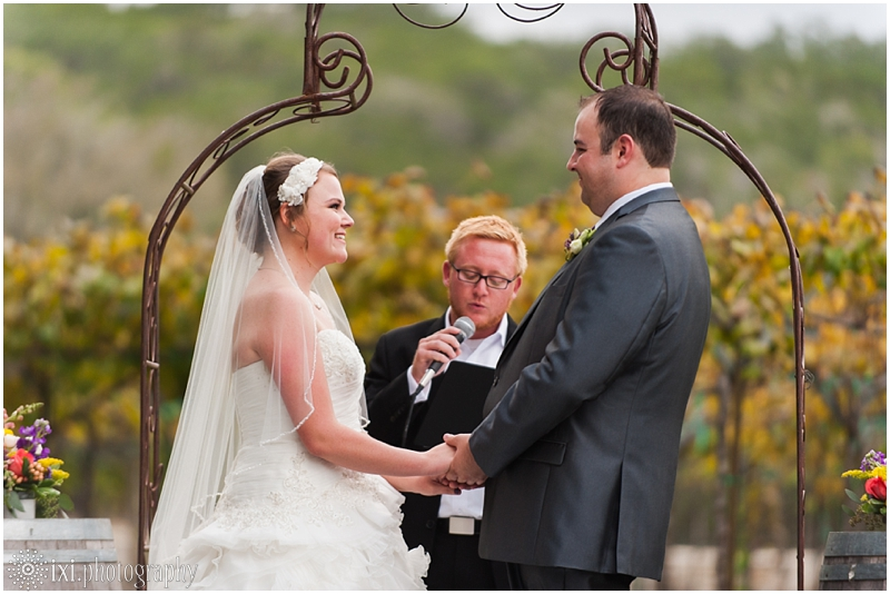 vineyard-wedding-tx-dry-comal-creek-vineyard_0037