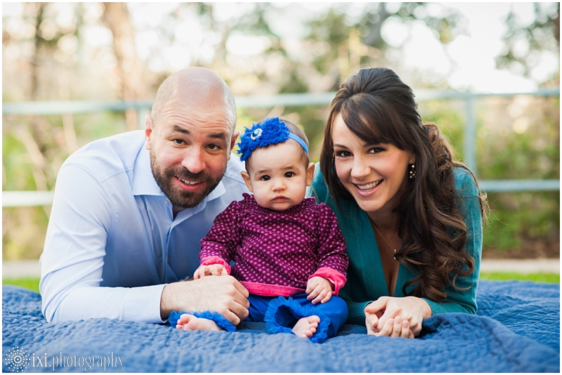 relaxed-outdoor- family-photos-arboretum-austin-tx_0003