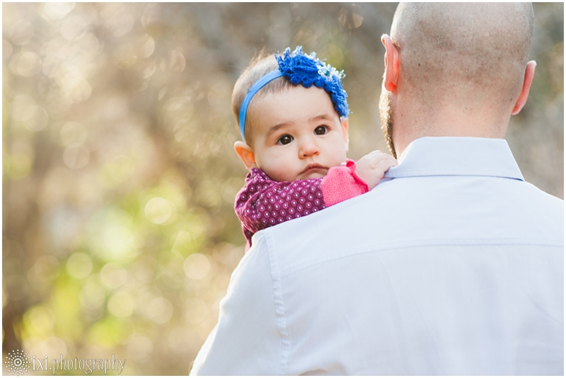 relaxed-outdoor- family-photos-arboretum-austin-tx_0008