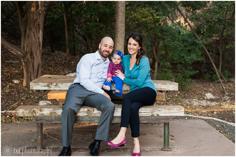 relaxed-outdoor- family-photos-arboretum-austin-tx_0009