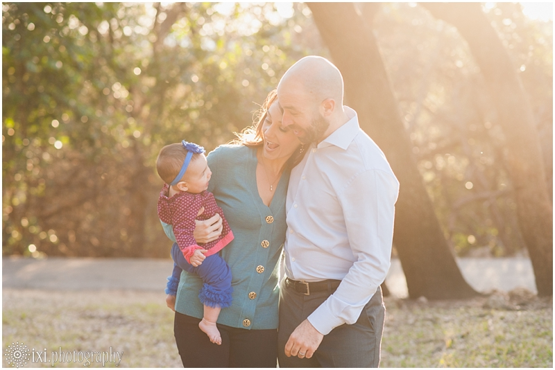 relaxed-outdoor- family-photos-arboretum-austin-tx_0017