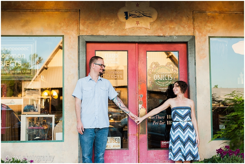 south-congress-engagement-photos_0016