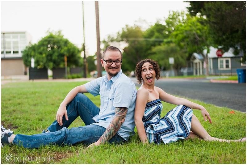 south-congress-engagement-photos_0027