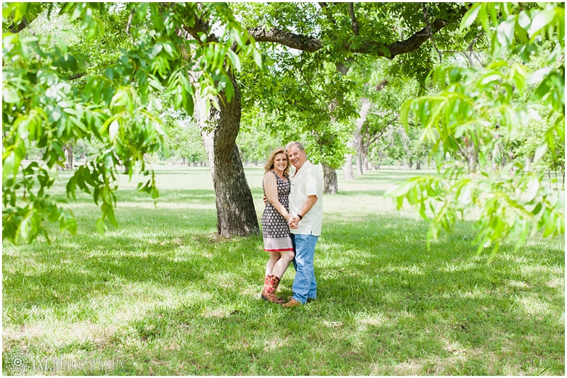 Carmen_Tim_Engagement-20_berry-springs-park-engagement-photos-austin-tx