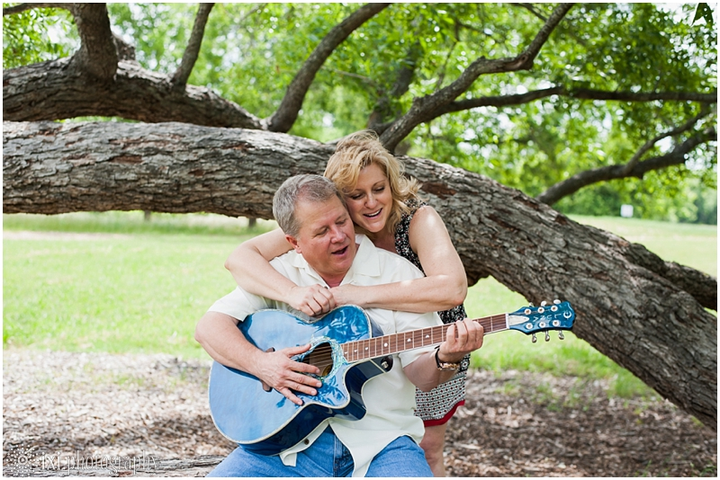 Carmen_Tim_Engagement-27_berry-springs-park-engagement-photos-austin-tx
