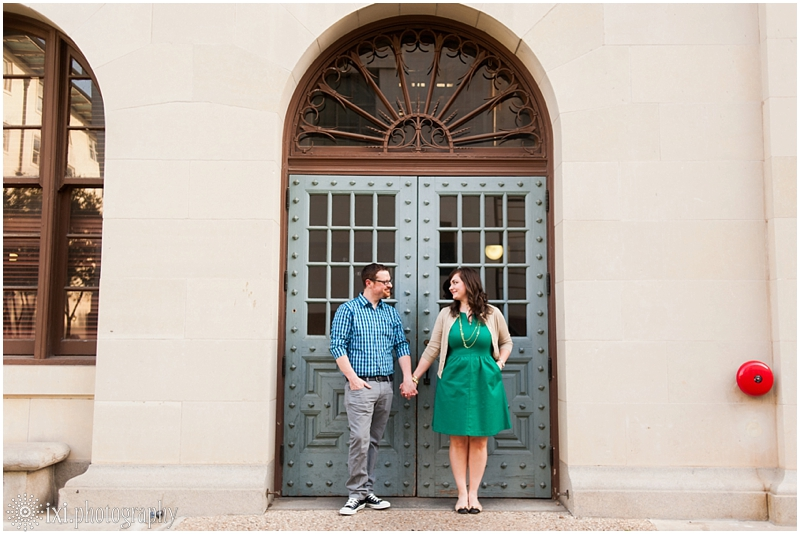 Kelly_Aaron_Engagement-22_ut-campus-engagement-photos