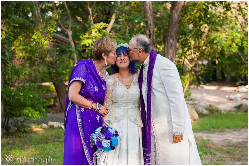 house-on-the-hill-wedding-photos-teal-purple-wedding_0023