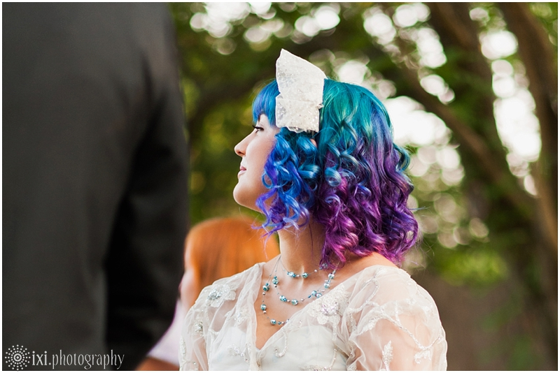 house-on-the-hill-wedding-photos-teal-purple-wedding_0037