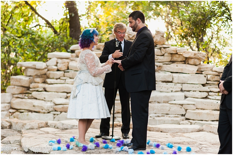 house-on-the-hill-wedding-photos-teal-purple-wedding_0043